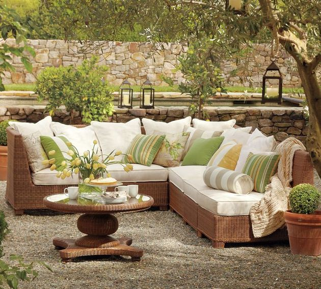 palmetto-all-weather-wicker-sectional-by-pottery-barn-4.jpg