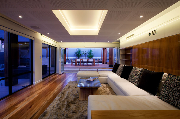 massively-modern-timber-terraces-extend-australian-home-outward-10-inside.jpg