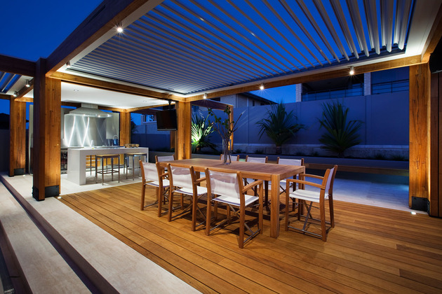 massively-modern-timber-terraces-extend-australian-home-outward-6-dining-room.jpg
