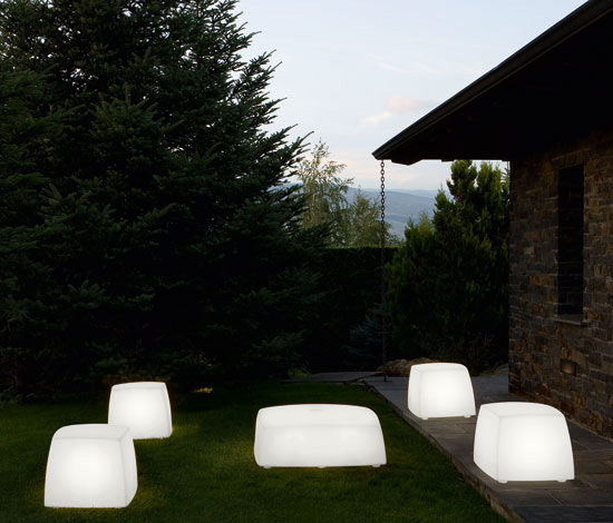 carpyen-outdoor-floor-lighting-lite-box.jpg