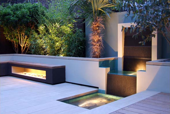 london contemporary garden amir schlezinger waterfall