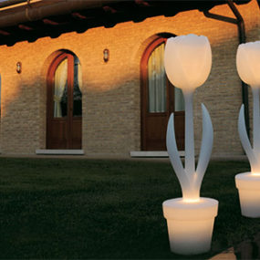 Colored Outdoor Lights from MyYour – Tulip XL