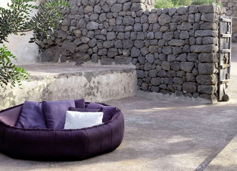 paola lenti crate bed ease 1 Luxury Outdoor Soft Furnishings from Paola Lenti   Aqua Collection