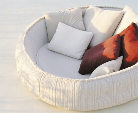 paola-lenti-crate-bed-ease-4.jpg