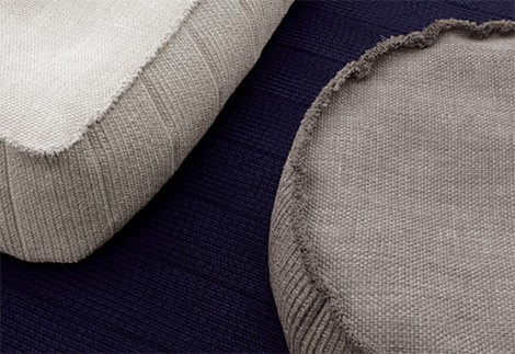 paola-lenti-outdoor-soft-pouf-play-3.jpg