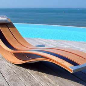 Elegant Outdoor Lounge Chairs – flexible wood chairs by Pooz