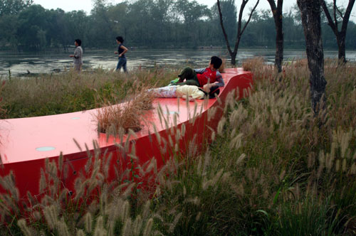 red-ribbon-tanghe-river-park-china-2.jpg