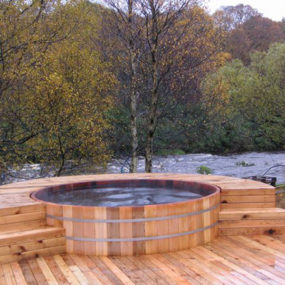 Wooden Cedar Hot Tub from SeaOtter WoodWorks – natural wood tubs