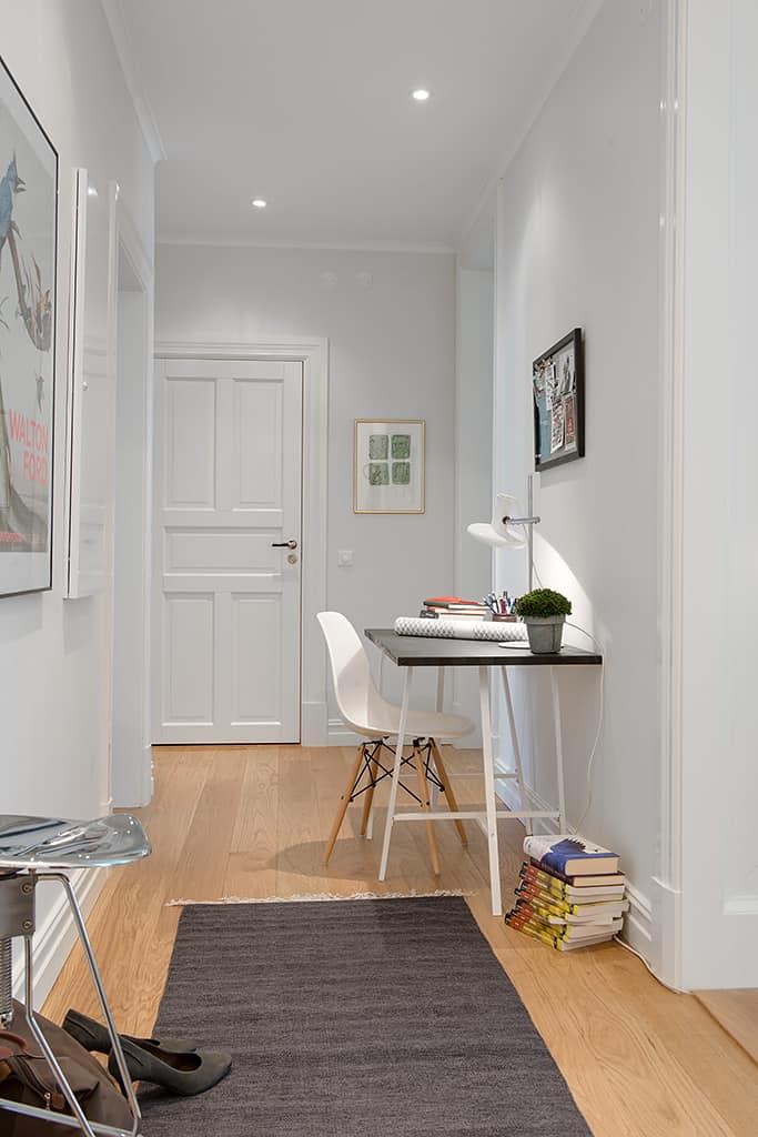 20 trestle desk ideas for the hottest trend. Black Bedroom Furniture Sets. Home Design Ideas