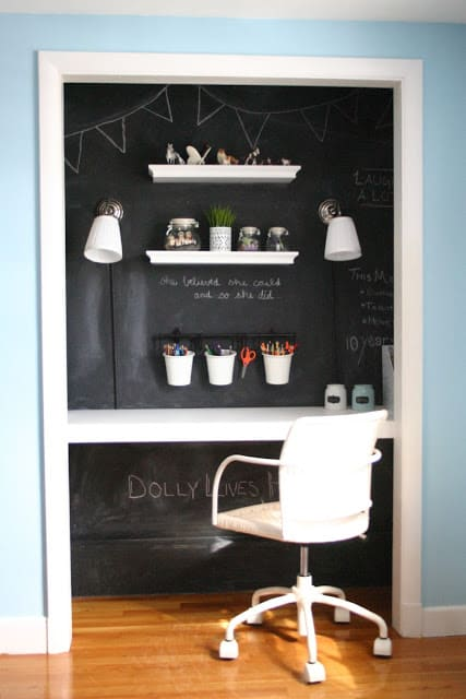 26s-chalkboard-closet.jpg