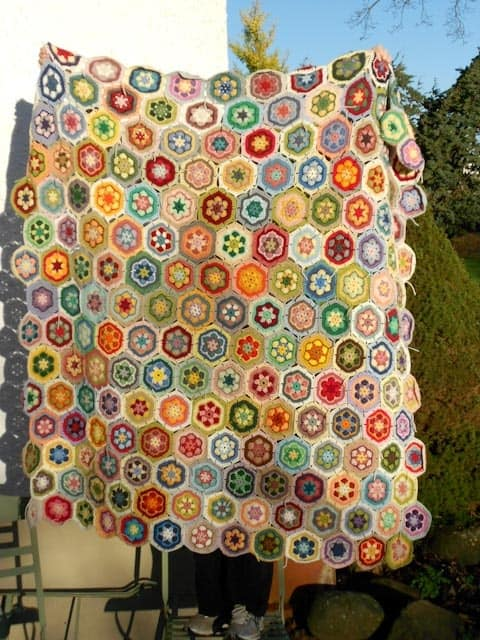 crochet-throw-hexagon-pattern.jpg