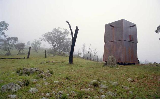 15-tiny-gateway-vacation-cabin-designs-9b.jpg