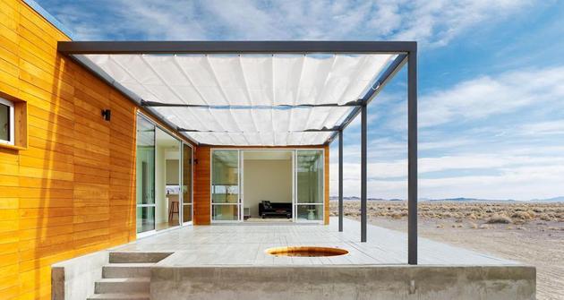 architectural-ideas-retractable-patio-cover-hot-tub-1.jpg