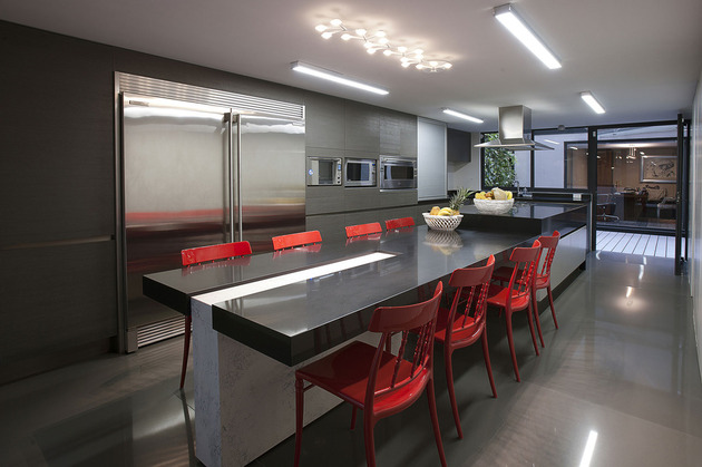 red-chairs-create-drama-11-trendy-ideas-4-kitchen-chairs.jpg