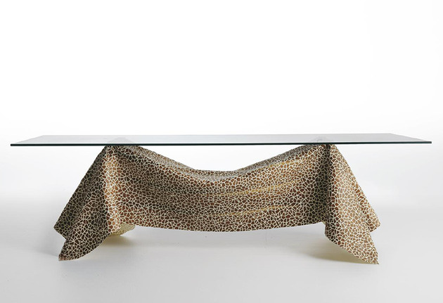 12-artsy-tables-wow-factor-28-no-gravity.jpg