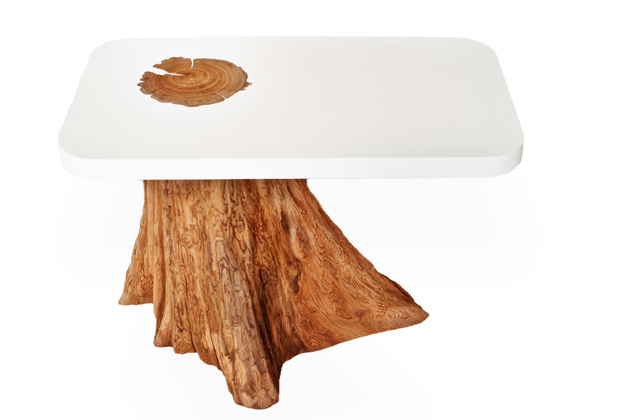 12-artsy-tables-wow-factor-5-bloom.jpg