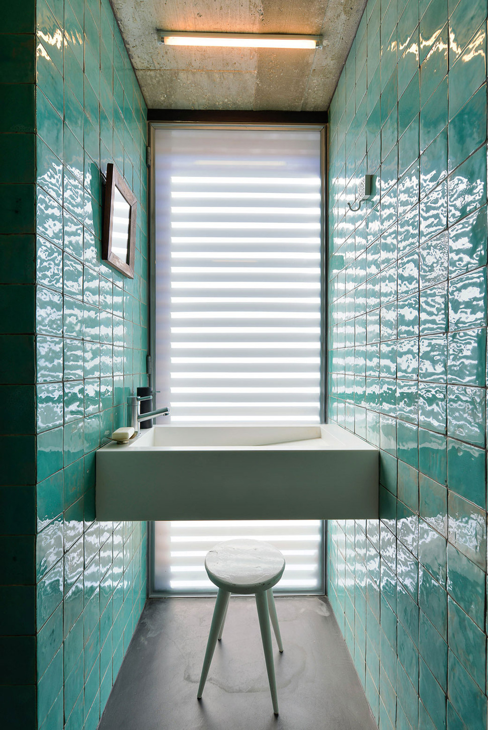 Top 10 Tile Design Ideas for a Modern Bathroom for 2015