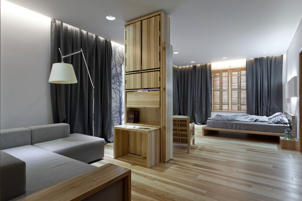 View In Gallery Wooden Bedroom Divider Screen 2