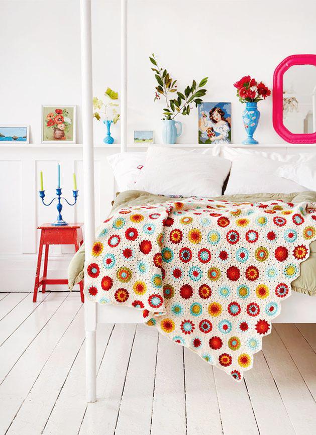 crochet-circles-bed-blanket.jpg