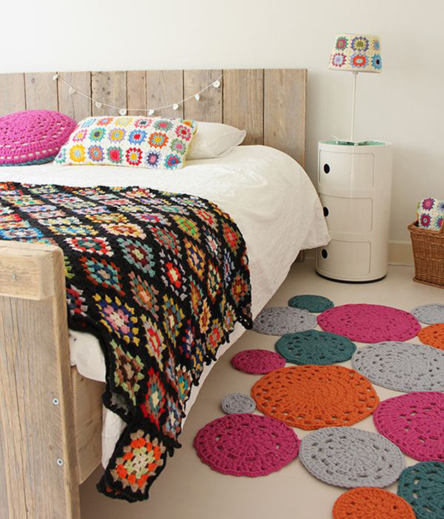crochet-throw-and-pillow-cover.jpg
