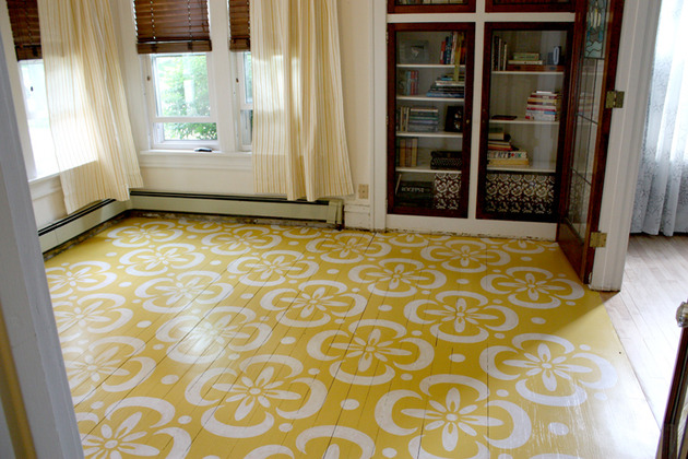 living-room-stenciled-in-dainty-yellow-patterns.jpg