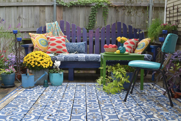 wood-patio-painted-with-stencils-area-rug-look-2.jpg