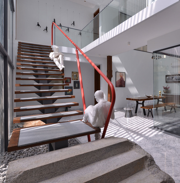 staircase-with-artistic-rail-design-1.jpg