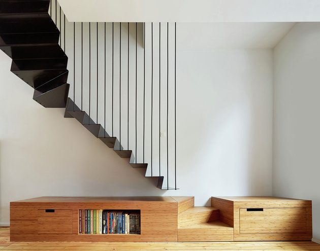 suspended staircase with creative landing platform 1 thumb 630xauto 58841 3 Confirmed Modern Interior Architecture Trends