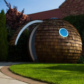 14 Futuristic Backyard Offices, Nooks and Pods