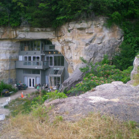 5 Amazing Underground Houses: Beautiful and Buried