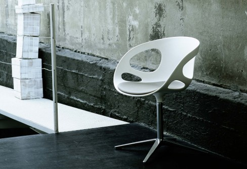 fritz hansen moulded plastic chairs rin 1