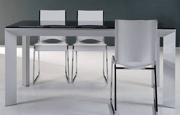 ozzio-extendable-table-6.jpg