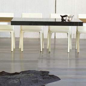 Extendable Frame Table from Ozzio – breakfast for two or dinner for a dozen?