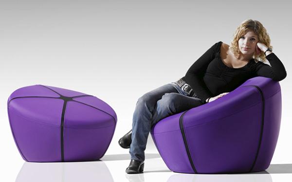 ultra modern pouf iko steiner paris 2 Ultra Modern Pouf by Steiner becomes a chair!