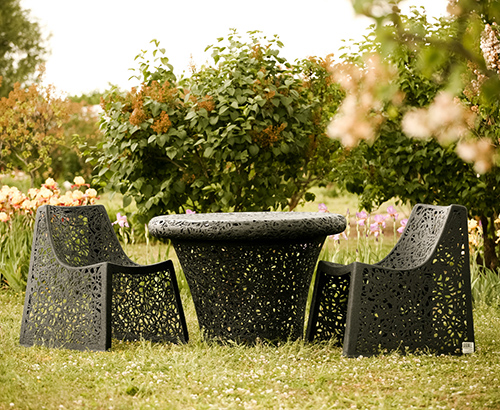 Unique garden furniture Alexander Rose View In Gallery Uniquegardenfurnituremaffamfreeform2jpg Trendir Unique Garden Furniture By Maffam Freeform